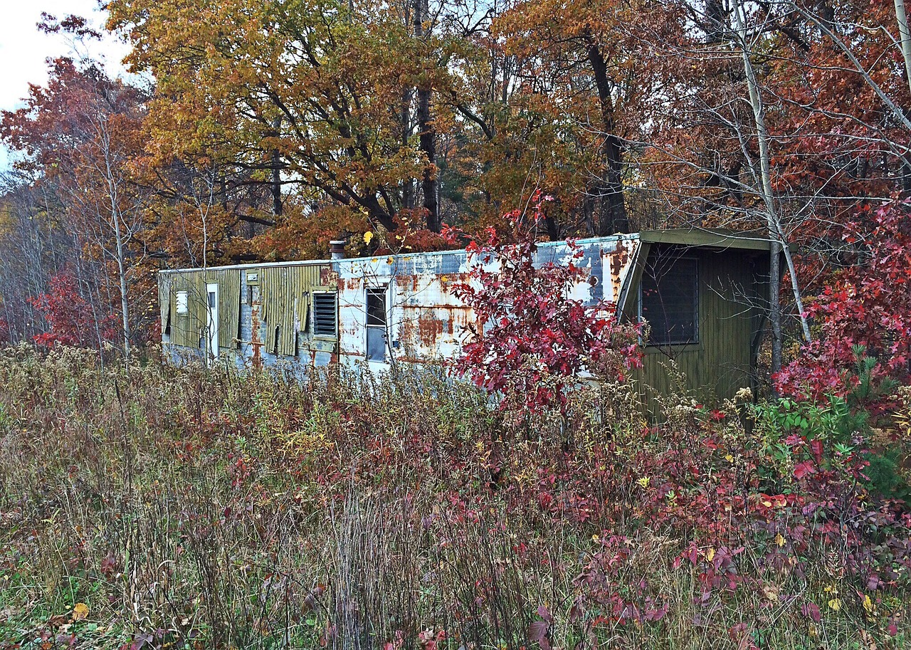 Opuštěný mobilní dům