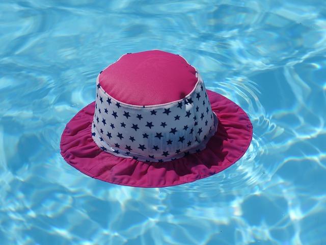 klobouk na vodě