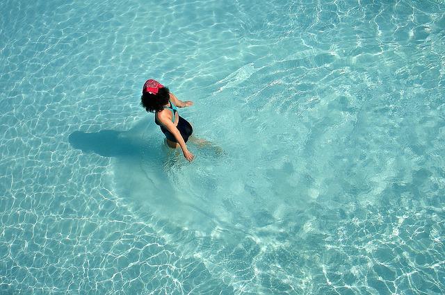 chůze v bazénu