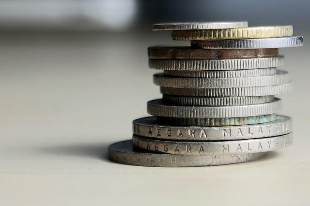 sloupeček drobných mincí