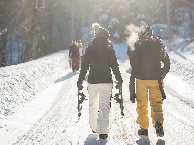 ženy v zimě na sněhu